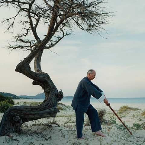 Richard Sämmer bei der Schwertform am Strand - Foto: Robert Fischer